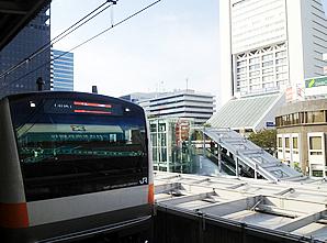 中央線快速と中野駅北口 image